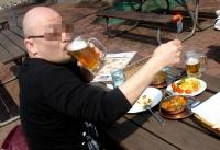 インドでビール.jpg