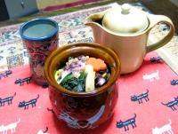 弁当とお茶.jpg
